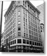 Seattle - Misty Architecture Bw Metal Print