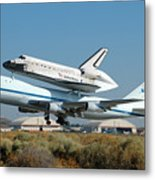 Space Shuttle Discovery Departs Edwards Afb August 19 2005 Metal Print