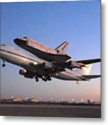 Space Shuttle Discovery Departs Edwards Afb September 20 2009 Metal Print