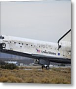 Space Shuttle Discovery Lands At Edwards Afb September 11 2009 Metal Print