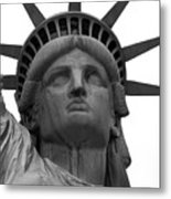 Statue Of Liberty B/w Metal Print by Lorena Mahoney