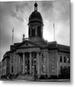Sunrise On Cherokee County Courthouse In Black And White Metal Print