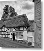 Thatched Cottages Of Hampshire 13 Metal Print