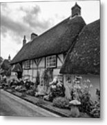Thatched Cottages Of Hampshire 22 Metal Print