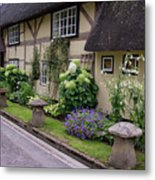 Thatched Cottages Of Hampshire 24 Metal Print