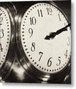 The Clock At Grand Central Metal Print