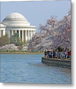 The Jefferson Memorial With Cherry Blossoms And A Lot Of People Metal Print