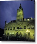 Town Hall At Night In Manchester Metal Print