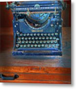 Underwood Typewriter Metal Print by Dave Mills