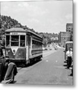 Uptown Trolley Near 193rd Street Metal Print