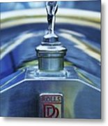 Collectible Logo And Emblem On A Vintage Rolls Royce Metal Print