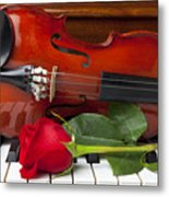 Violin With Rose On Piano Metal Print