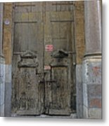 Weathered Old Door On A Building In Palermo Sicily Metal Print