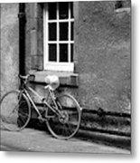 bicycle in Edinburgh close Metal Print
