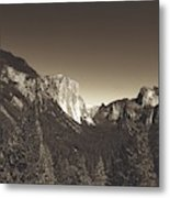Beautiful Yosemite Valley Metal Print