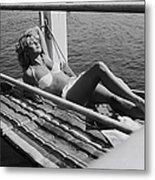 Brigitte Bardot Sur Le Tournage De Vie Metal Print