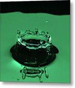 Circle Water Dance Green Metal Print