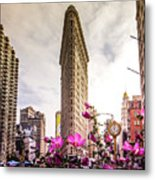 Flatiron And Flowers Metal Print