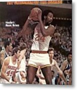 Houston Rockets Moses Malone... Sports Illustrated Cover Metal Print