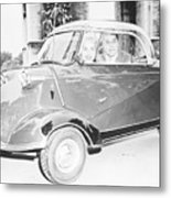 Janet Leigh And Tony Curtis In Minicar Metal Print