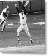 New York Yankees Chris Chambliss Jumps Metal Print