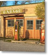 Old Service Station In Rural Utah, Usa Metal Print