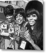 The Supremes With Cameras In London Metal Print