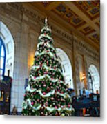 Union Station Decorates For Christmas In Kansas City Metal Print