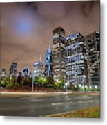 View Of Chicago Skyscrappers With Busy Street In The Foreground Metal Print
