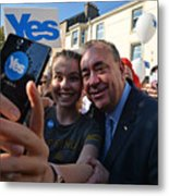 The Final Day Of Campaigning For The Scottish Referendum Ahead Of Tomorrow's Historic Vote Metal Print