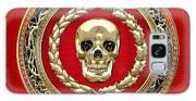 Golden Human Skull On Red   Galaxy S8 Case