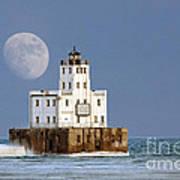 0186 Moon Over Milwaukee Breakwater Lighthouse Poster