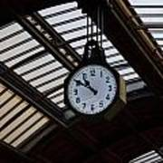 10 To 11.  Milan Railwaystation Poster