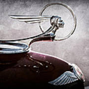 1933 Pontiac Hood Ornament Poster