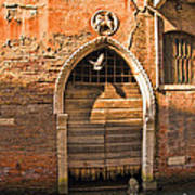 Archway With Bird In Venice Poster