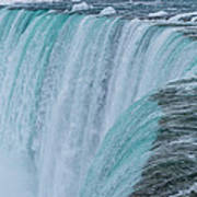 Crest Of Horseshoe Falls In Winter Poster