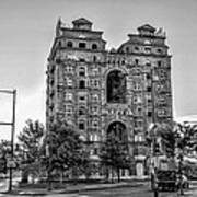 Divine Lorraine In Pain - Black And White Poster