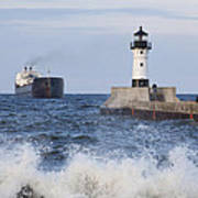 Duluth N Pierhead And Ship 1 Poster