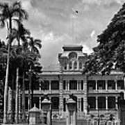 Hawaii's Iolani Palace In Bw Poster