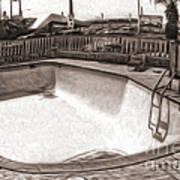 Kiva Motel -  Empty Pool Poster