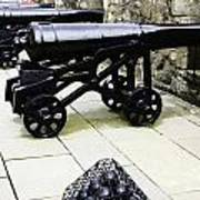 Oil Painting - Tourists And Cannons With Ammunition At The Wall Of Stirling Castle Poster