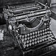 Old Fashioned Underwood Typewriter Bw Poster