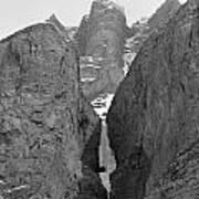 1m3649-bw-polar Circus Ice Route Poster