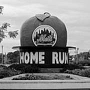 Shea Stadium Home Run Apple In Black And White Poster