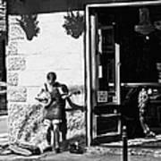 Sidewalk Banjo Plucker In French Quarter Poster