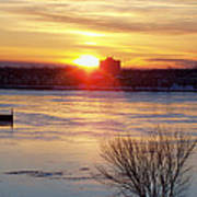 Sunrise On A Cold Frozen Niagara River Poster