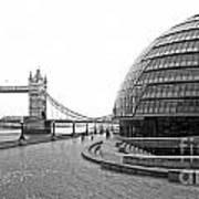 Tower Bridge And London City Hall - Uk Poster