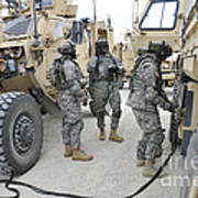 U.s. Army Soldiers Jump Start A Light Poster