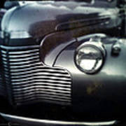V8 Grill In Gray Poster