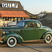 1942 Gulf Service Station With Antique Car Poster